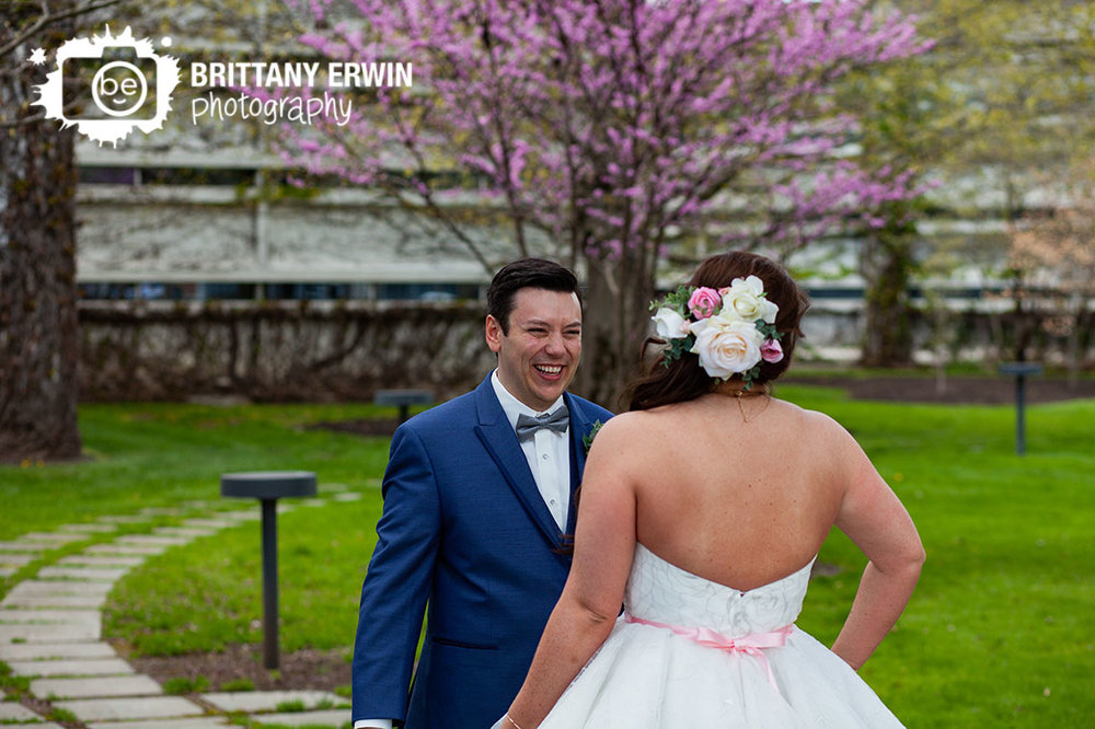 Cummins-first-look-Columbus-Indiana-couple-groom-reaction.jpg