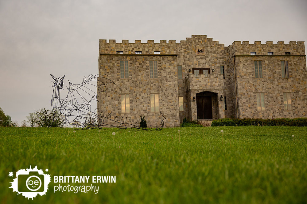 Bowling-Green-Indiana-castle-wedding-photographer-dragon-sculpture-clayshire.jpg