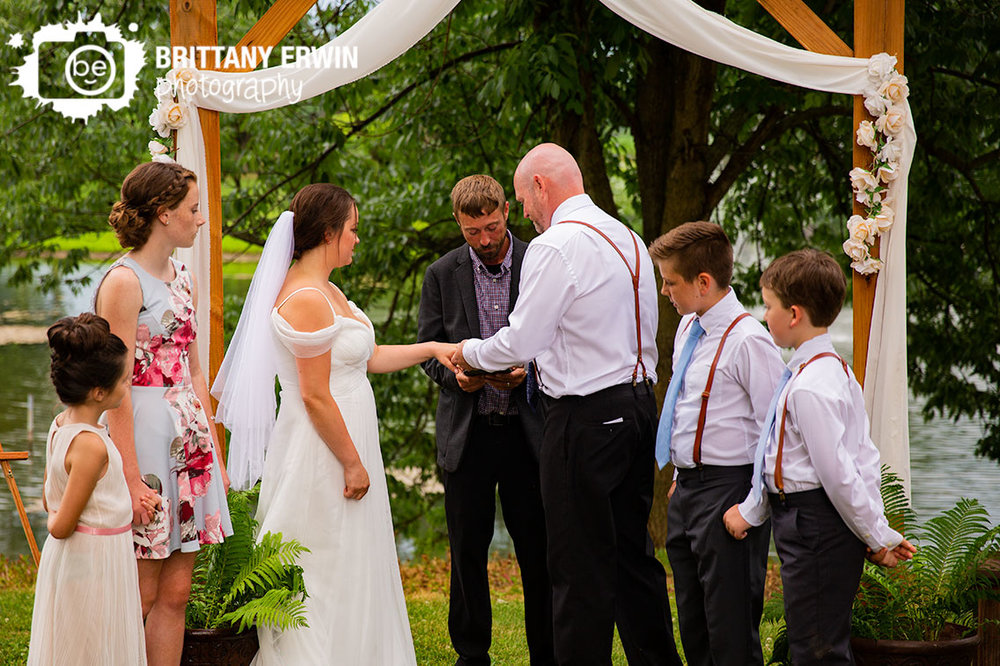 Indianapolis-wedding-ceremony-ring-exchance-outdoor-couple.jpg
