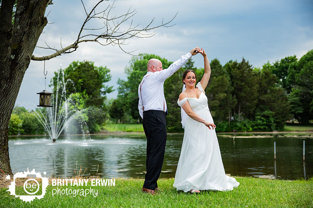 Indianapolis-wedding-photographer-couple-on-island-pond.jpg