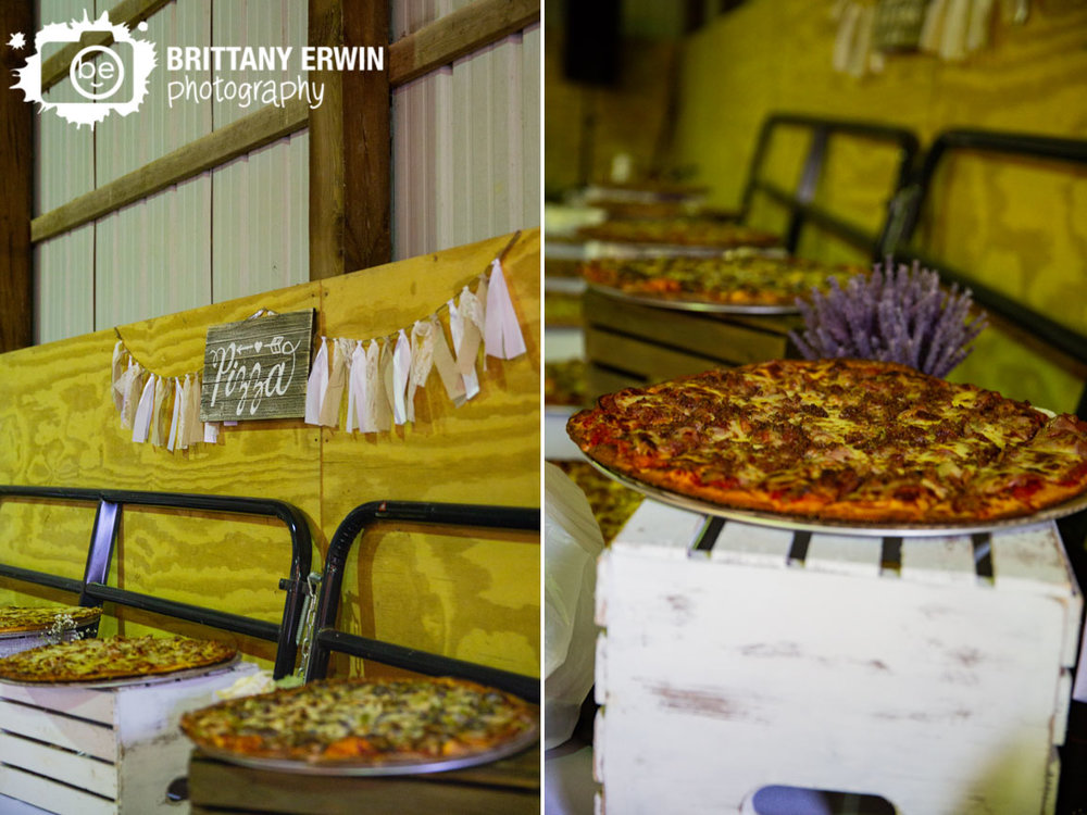pizza-wedding-buffet-barn-wood-sign.jpg