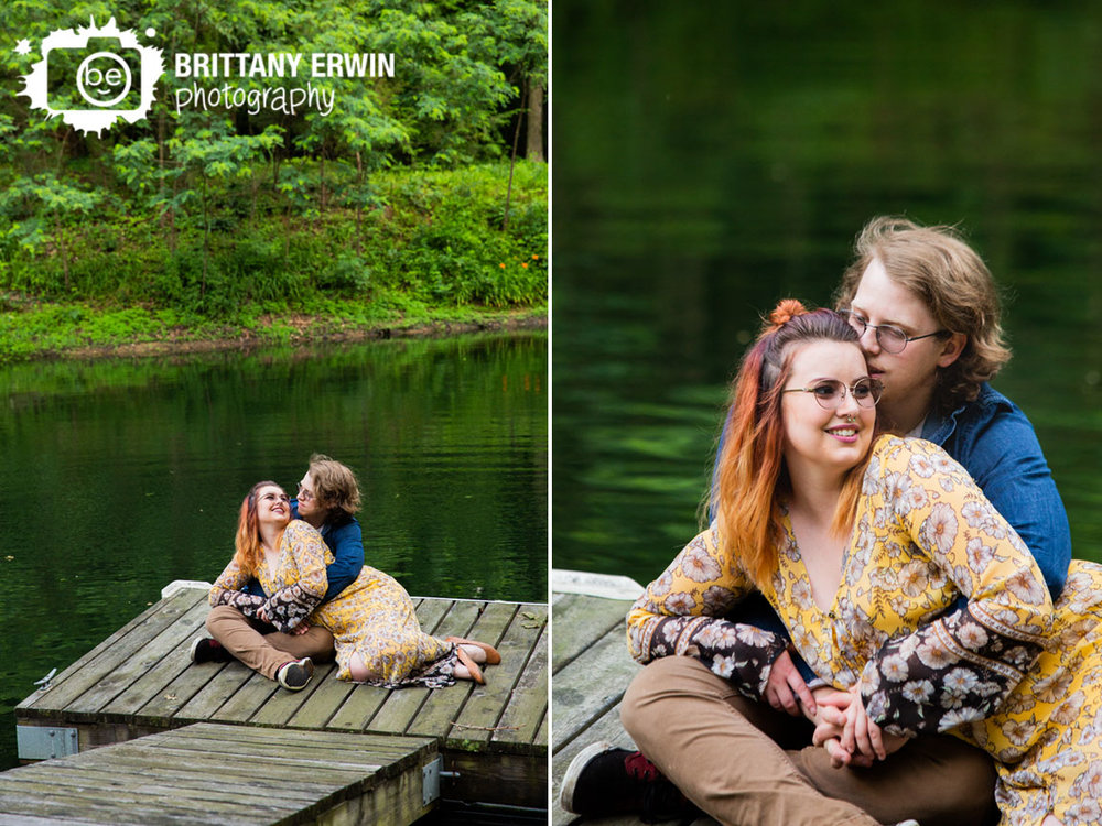 Outdoor-pond-couple-portrait-session-floating-dock.jpg