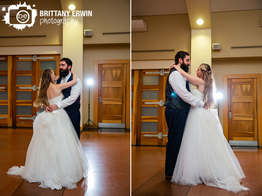 Indianapolis-zoo-wedding-photographer-first-dance-bride-groom.jpg
