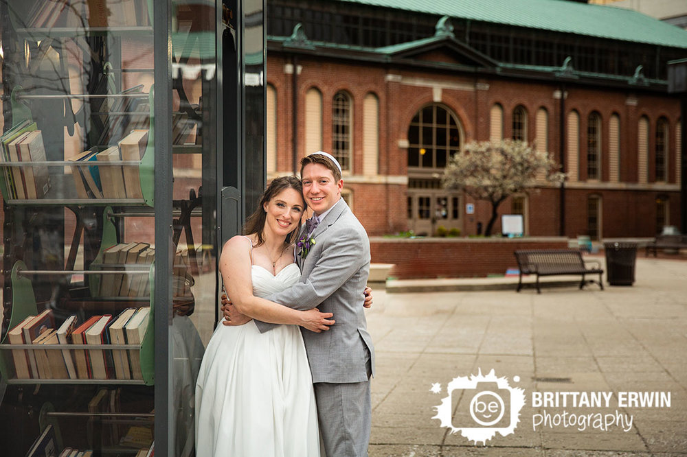 Downtown-Indianapolis-City-Market-wedding-photographer-jewish-couple-book-machine-outdoor-portrait.jpg