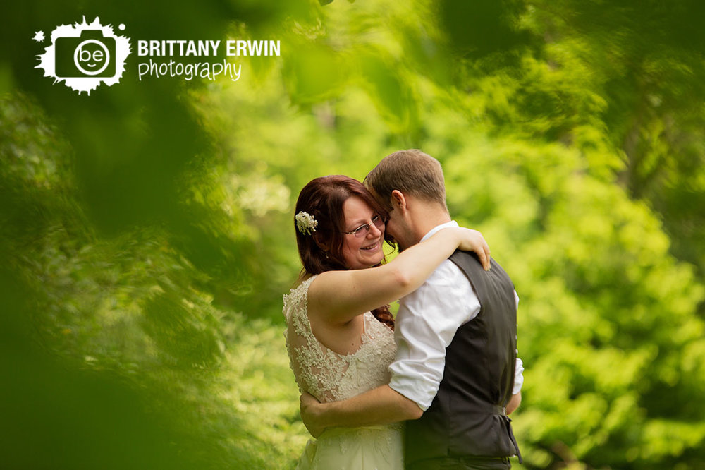 Outdoor-wedding-photographer-elopement-couple-dancing.jpg