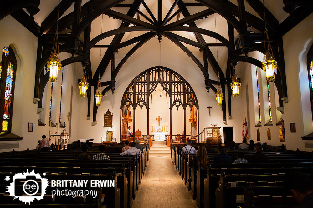 Indianapolis-wedding-photographer-christ-church-catholic-ceremony.jpg