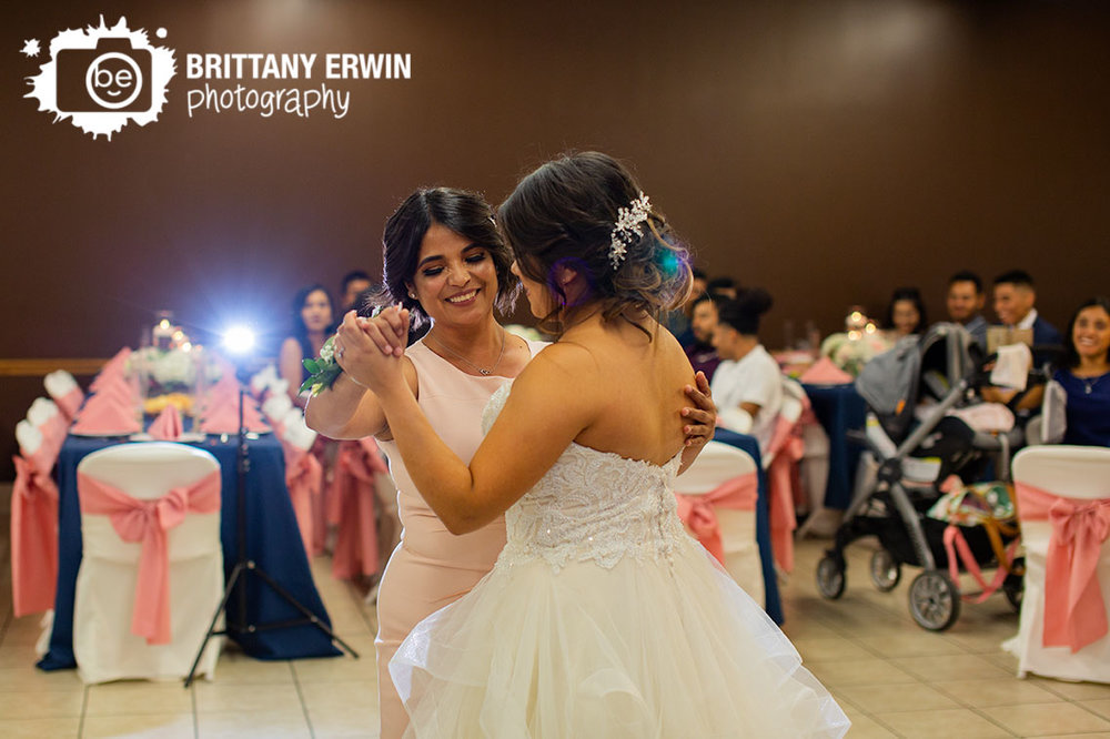 Indianapolis-wedding-reception-photographer-mother-daughter-dancing.jpg