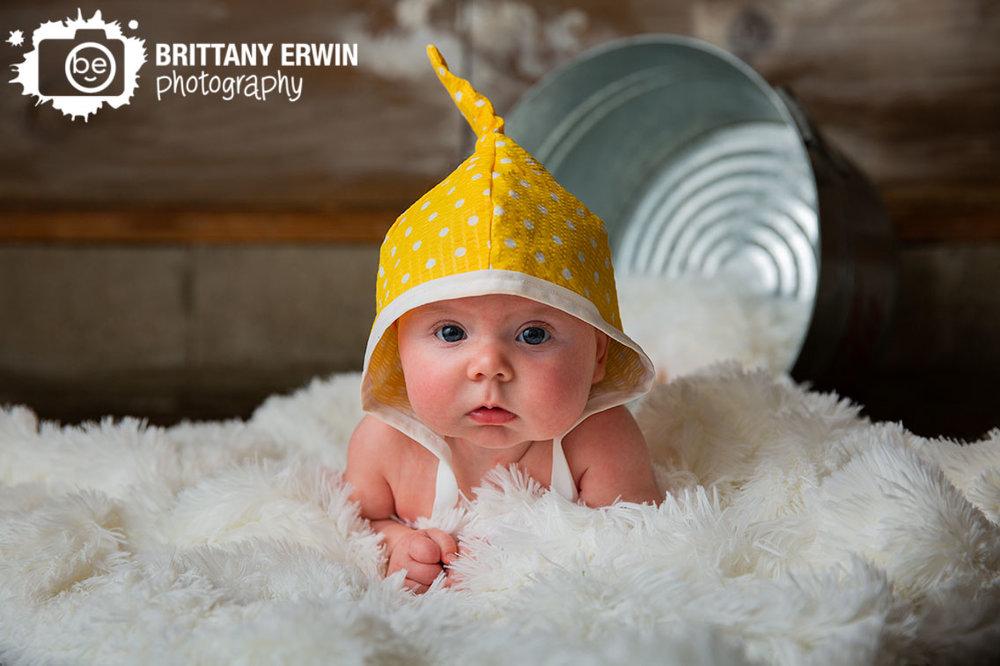 Indianapolis-baby-girl-pixie-hat-studio-portrait-photographer.jpg