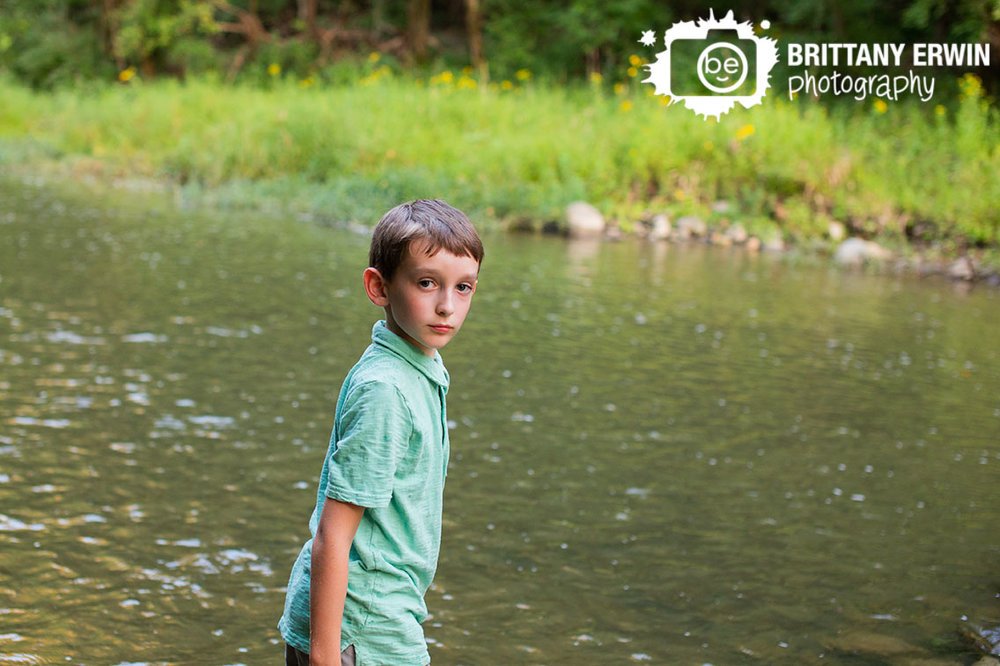 creek-stomping-boy-school-portrait-photographer-Zionsville-Indiana-park.jpg