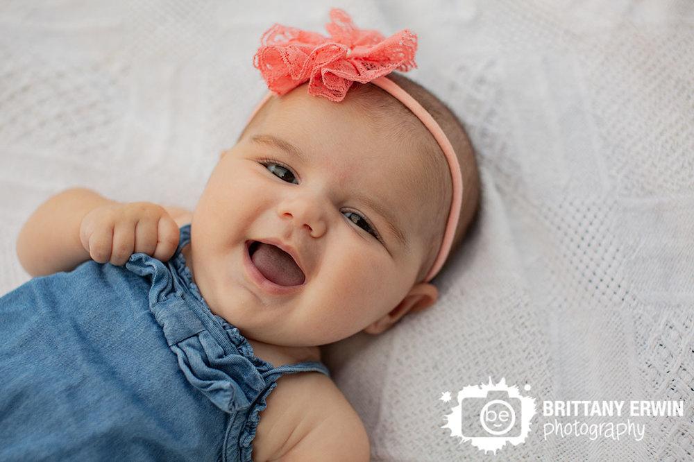 Indianapolis-baby-girl-portrait-photographer-outdoor-blanket.jpg