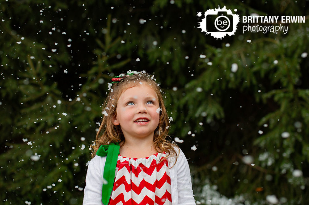 Indianapolis-dreaming-of-a-white-christmas-portrait-photographer-girl-snowing.jpg