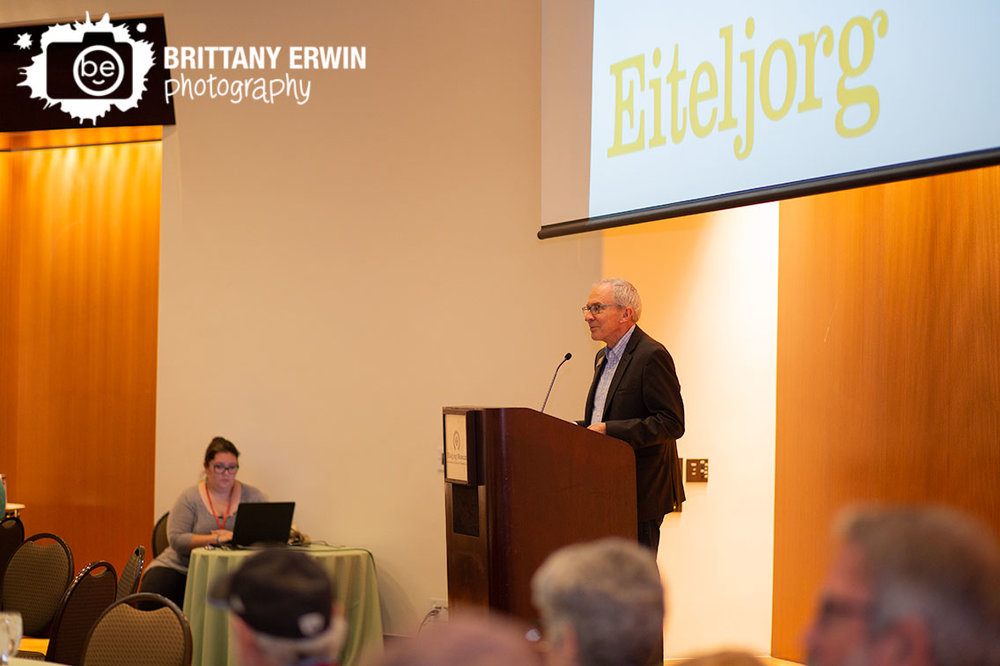 Eiteljorg-speech-at-Quest-for-the-West-luncheon-before-awarding-purchase-award.jpg