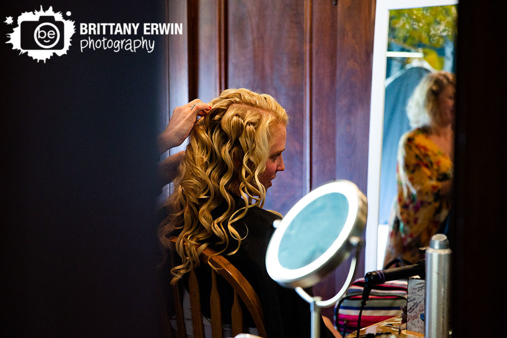 Wedding-photographer-bride-getting-ready-hair-curl-hair-on-the-square-stylist.jpg
