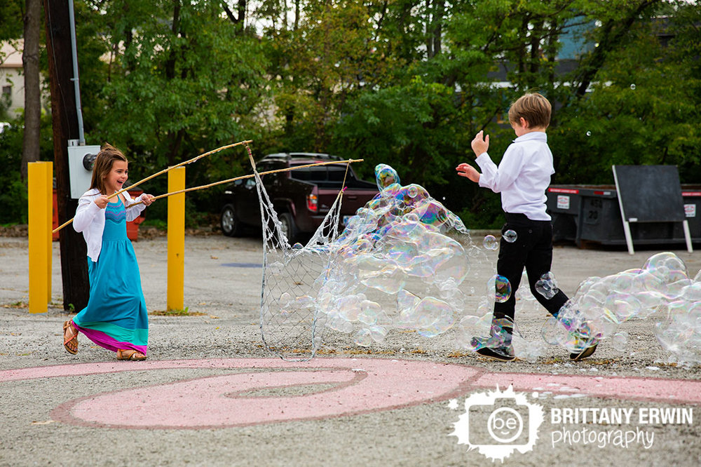 Bubble-man-indianapolis-wedding-photographer-reception-fun-cocktail-hour-for-kids.jpg