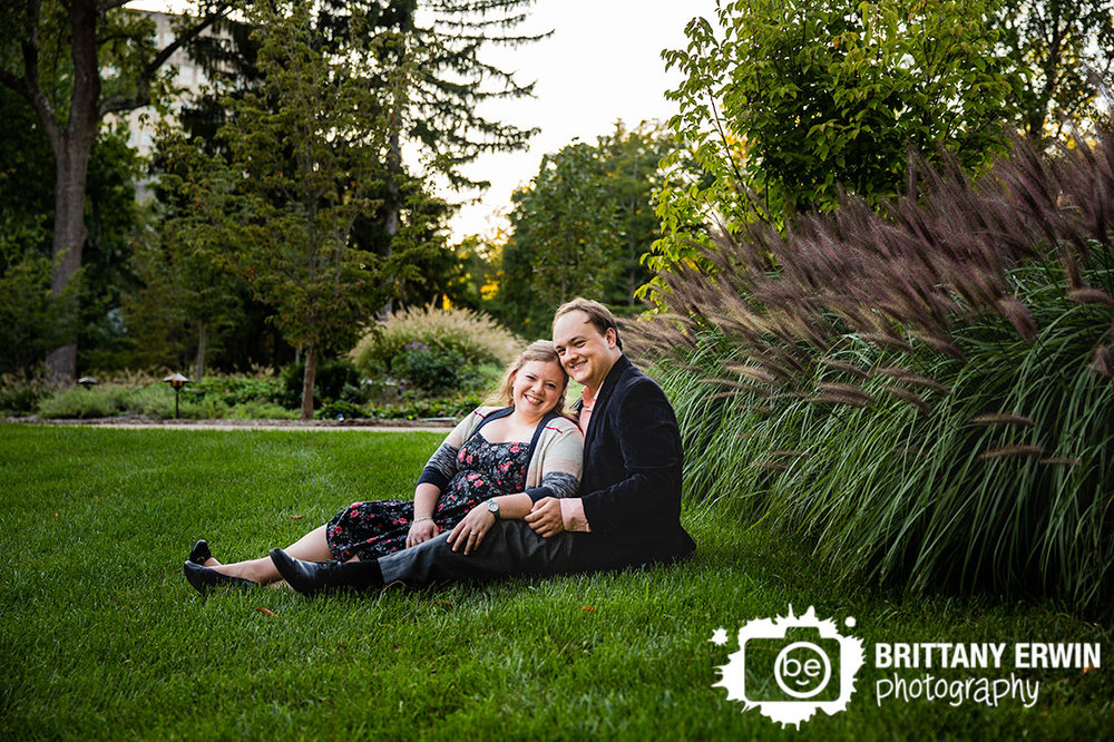Bloomginton-Indiana-University-couple-engagement-portrait-photographer-sitting-in-grass-fall.jpg