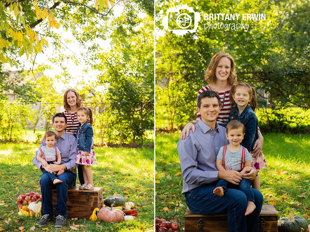 Indianapolis-fall-mini-session-family-portrait-group-brother-sister.jpg