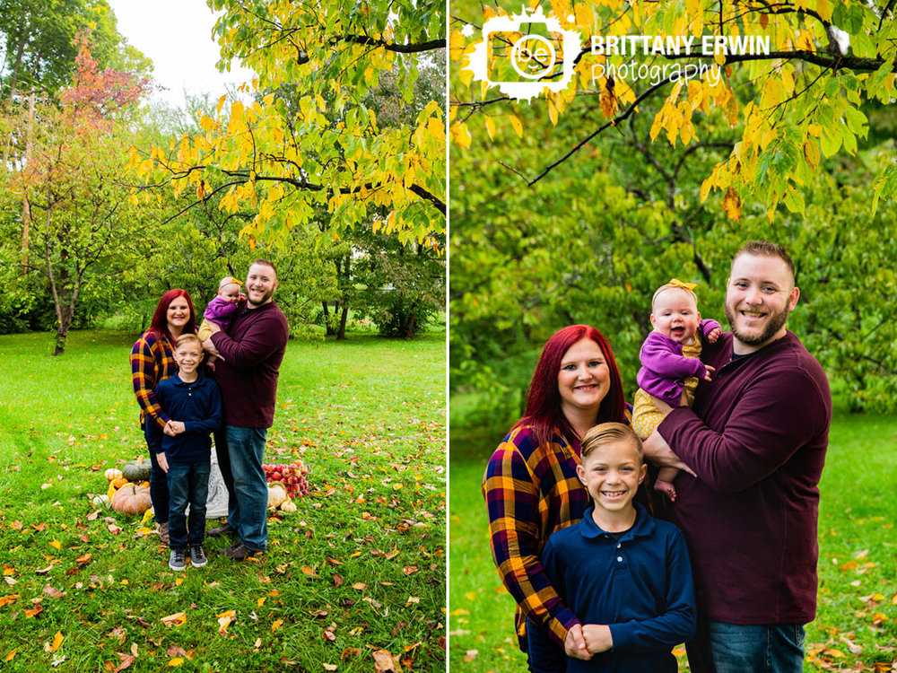 Indianapolis-fall-mini-session-photographer-persimmon-tree-pumpkin-family-group.jpg