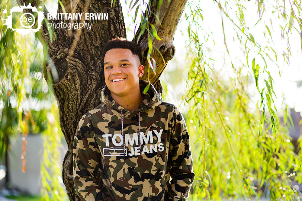 Downtown-Indianapolis-fall-high-school-senior-on-the-canal-portrait-photographer.jpg
