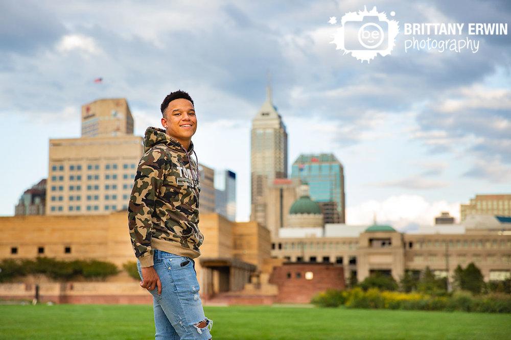 Downtown-Indianapolis-high-school-senior-portrait-photographer-skyline.jpg