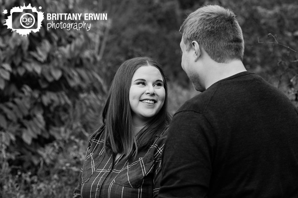 Indianapolis-engagement-portrait-photographer-couple-fall.jpg