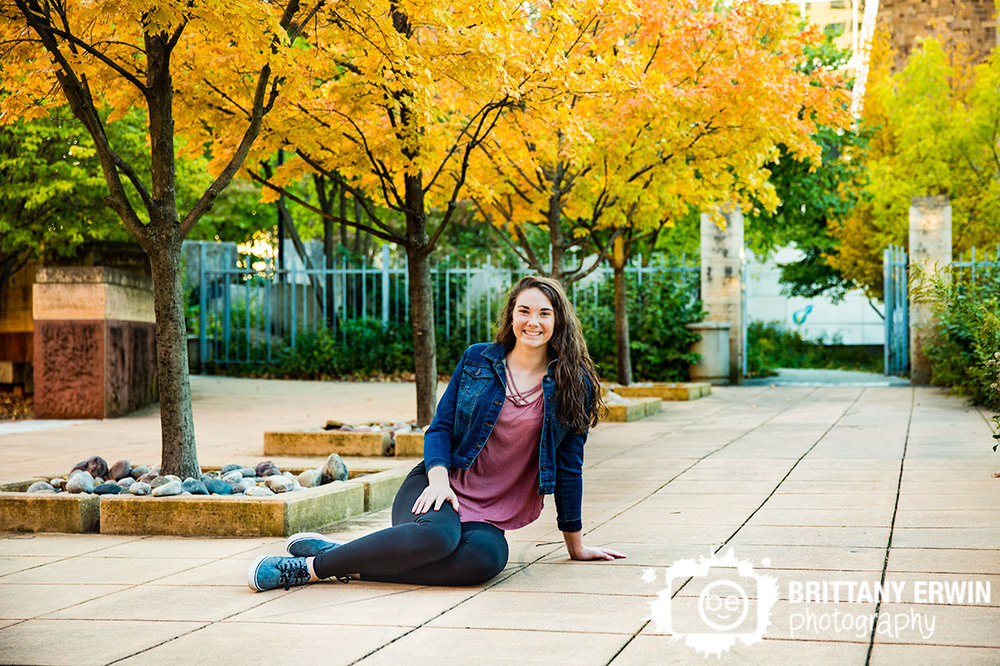 Downtown-Indianapolis-high-school-senior-portrait-photographer-eiteljorg-museum-fall-yellow-tree.jpg