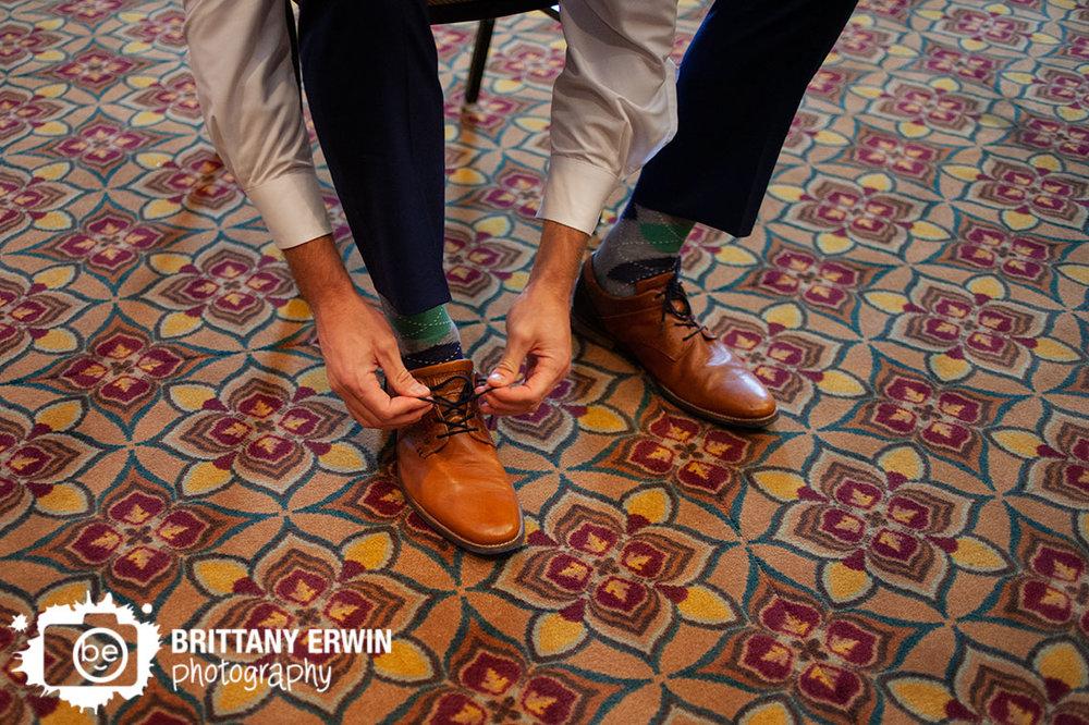 Indianapolis-wedding-photographer-groom-tying-shoes-argyle-socks.jpg