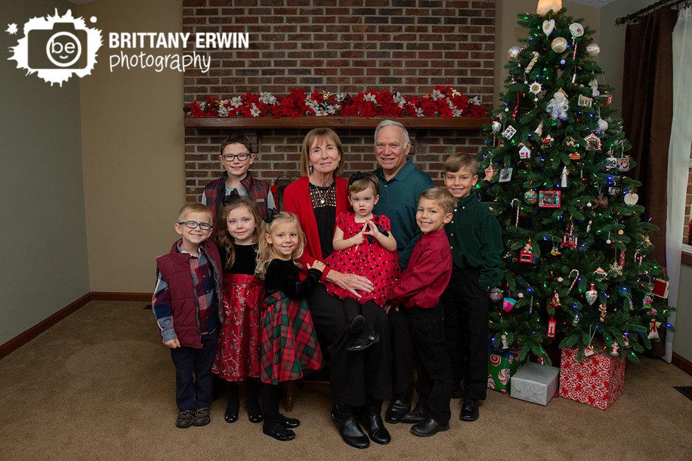Indianapolis-lifestyle-family-portrait-cousins-grandparents-group-brick-fireplace.jpg