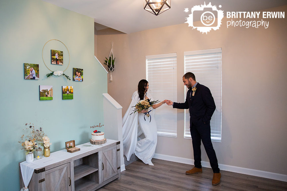Indianapolis-elopement-photographer-first-look-in-home-cake-table.jpg