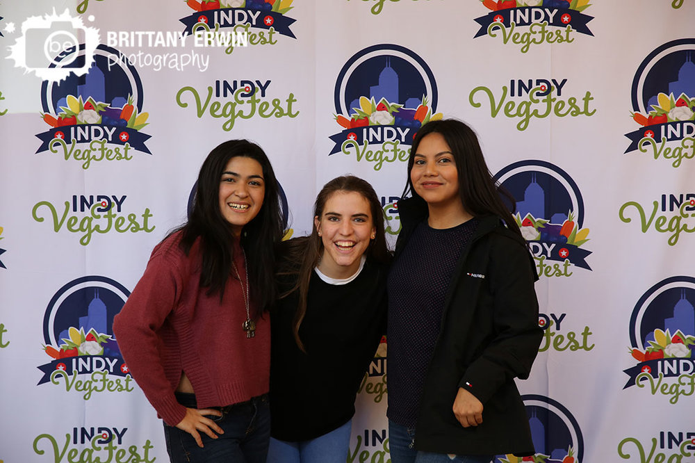 Indy-VegFest-holiday-market-photo-booth-backdrop.jpg