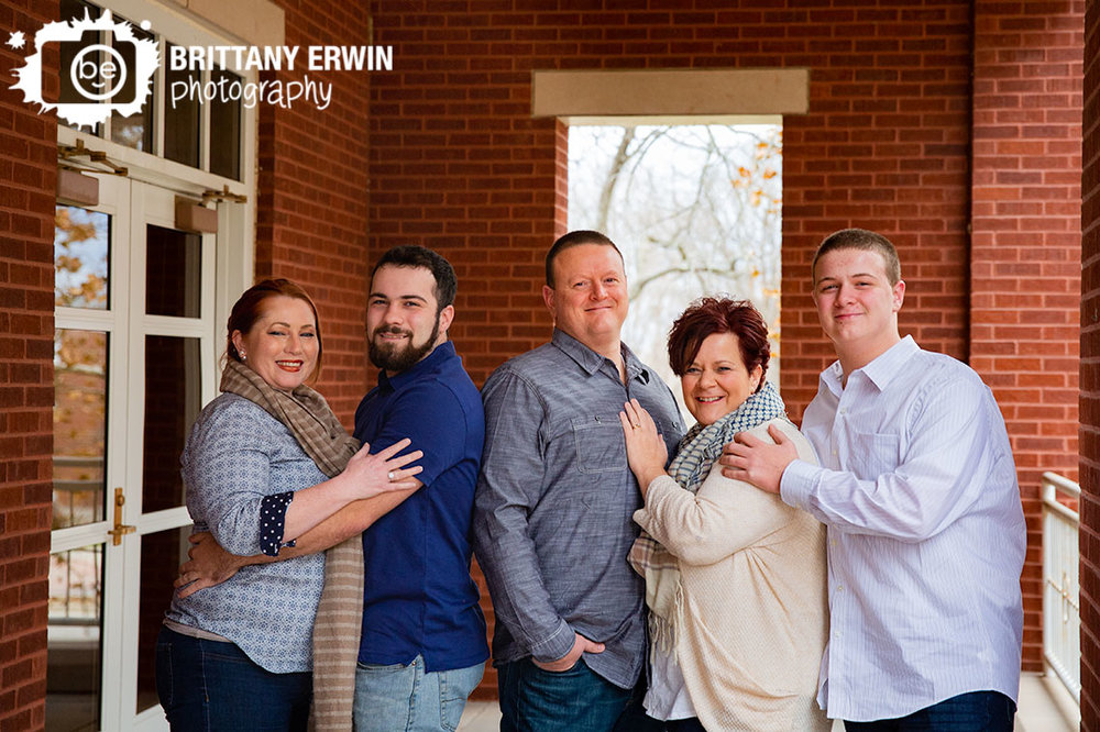 Indiana-family-portrait-group-parents-brothers-with-fiance.jpg