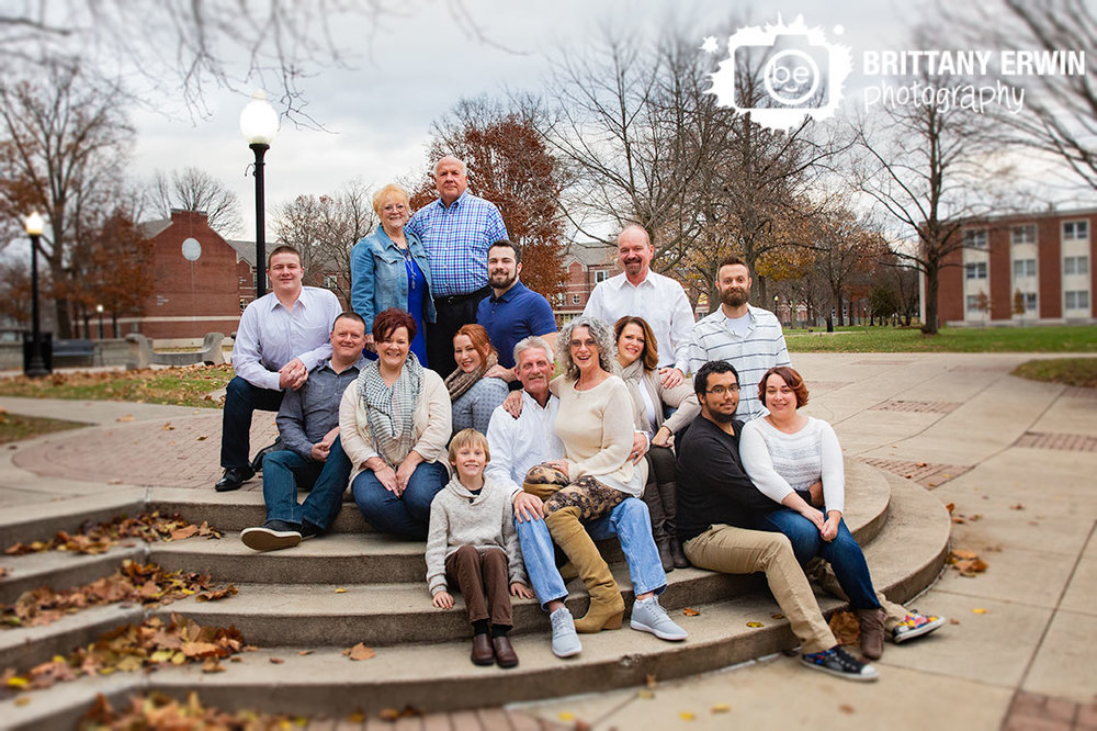 Indianapolis-family-group-portrait-Franklin-College.jpg
