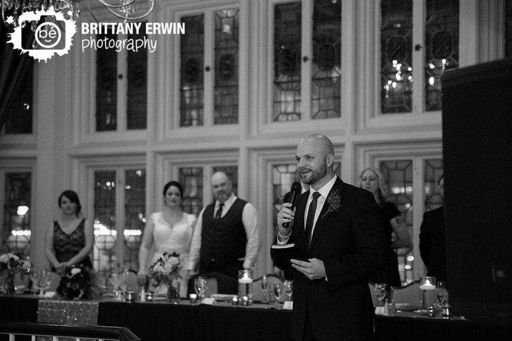 Indianapolis-prayer-food-blessing-at-columbia-club-wedding-reception-before-dinner.jpg