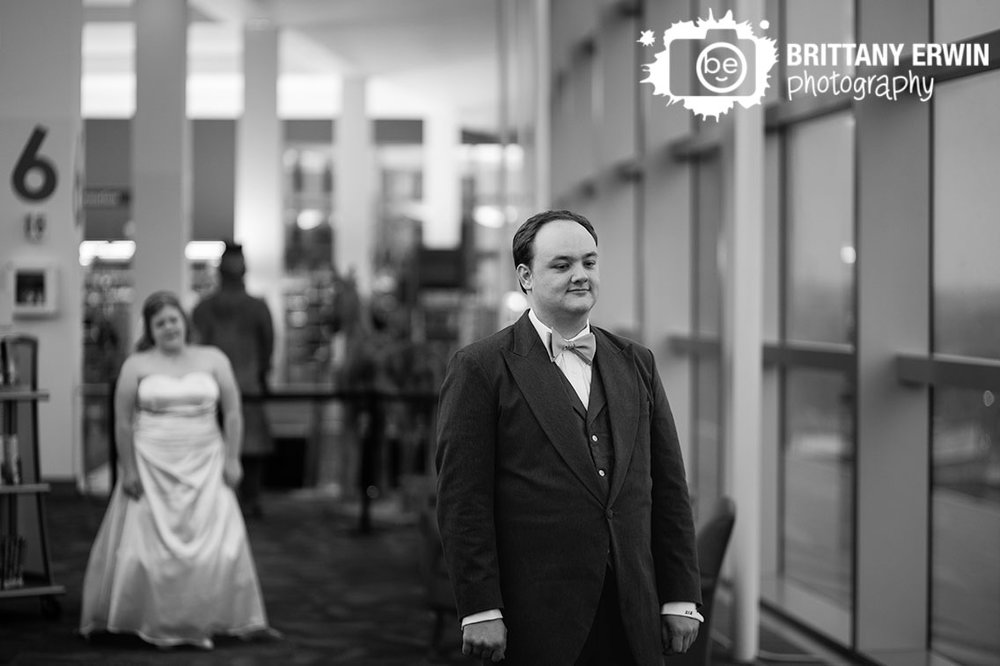 Indianapolis-public-library-wedding-photographer-downtown-indy-first-look.jpg