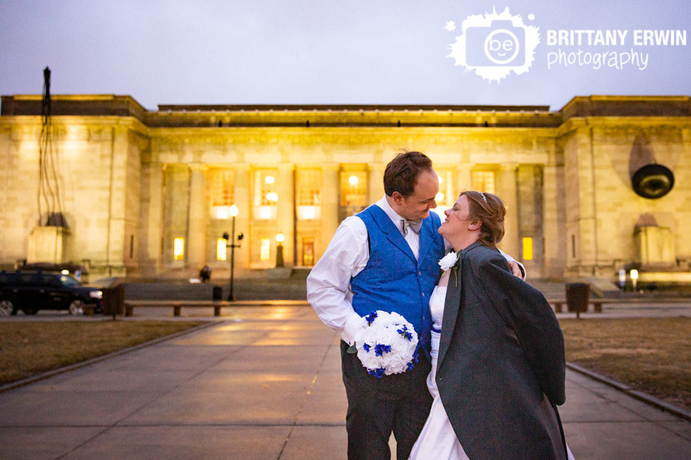 Indianapolis-central-library-wedding-photographer-couple-twilight-outside.jpg