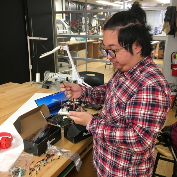 As a part of the course Making Studio with PoD faculty Becky Stern, Hui designed a system that will detect if you have forgotten your keys before leaving the house via a sensitized key hanger, audible alarm, and email notification.