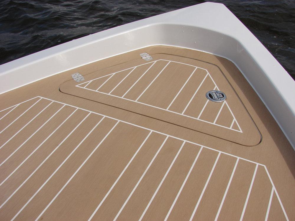 boat-composite-decking