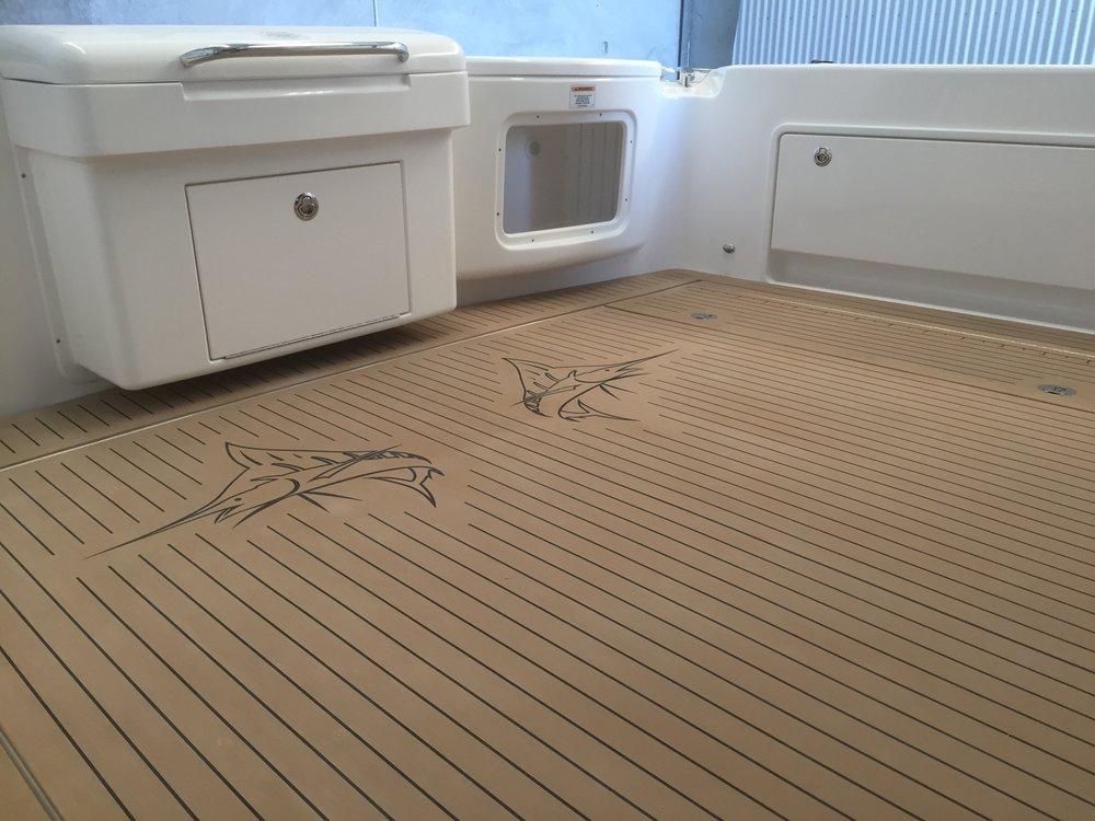 custom-boat-decking