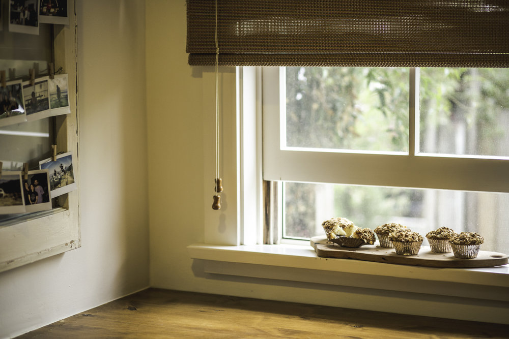 P.S. Don't you just adore the smell of fresh muffins cooling in the windowsill? <3