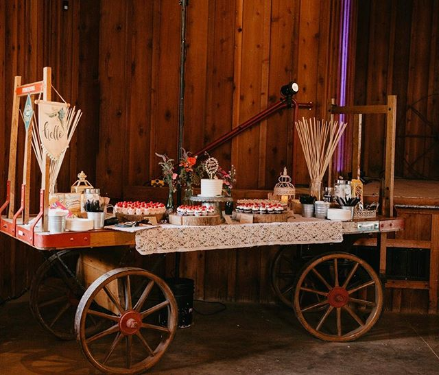 What better than dessert on wheels?  Photo: @kaditobin Venue: @roaringcampwed