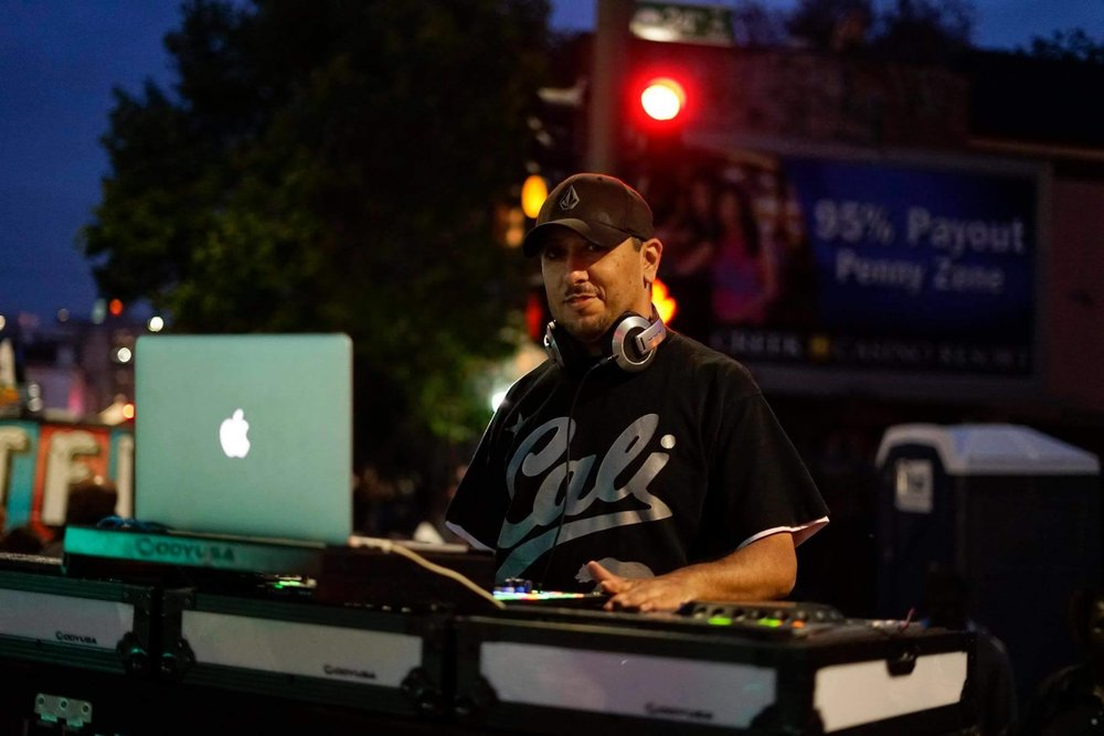 DJ Wiley-E  has been performing around the Bay Area since 2004. His dynamic setlists includes songs from Motown, 70's, Rock, Latin, Hip-Hop, Rap, Reggae, and today's top 40's. DJ Wiley-E loves what he does, providing good entertainment flow for party people.