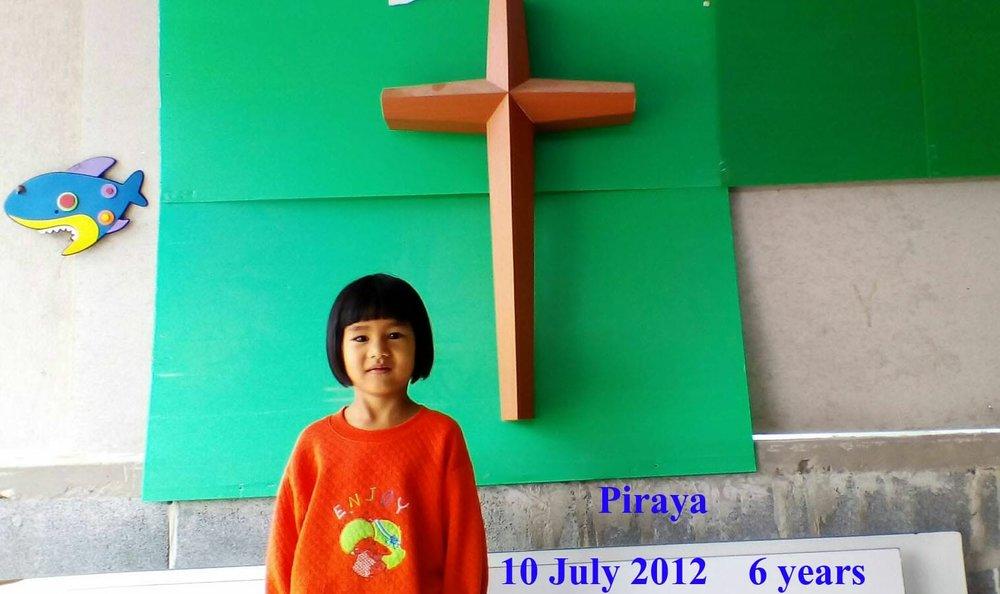 Piraya (6 years old, girl)