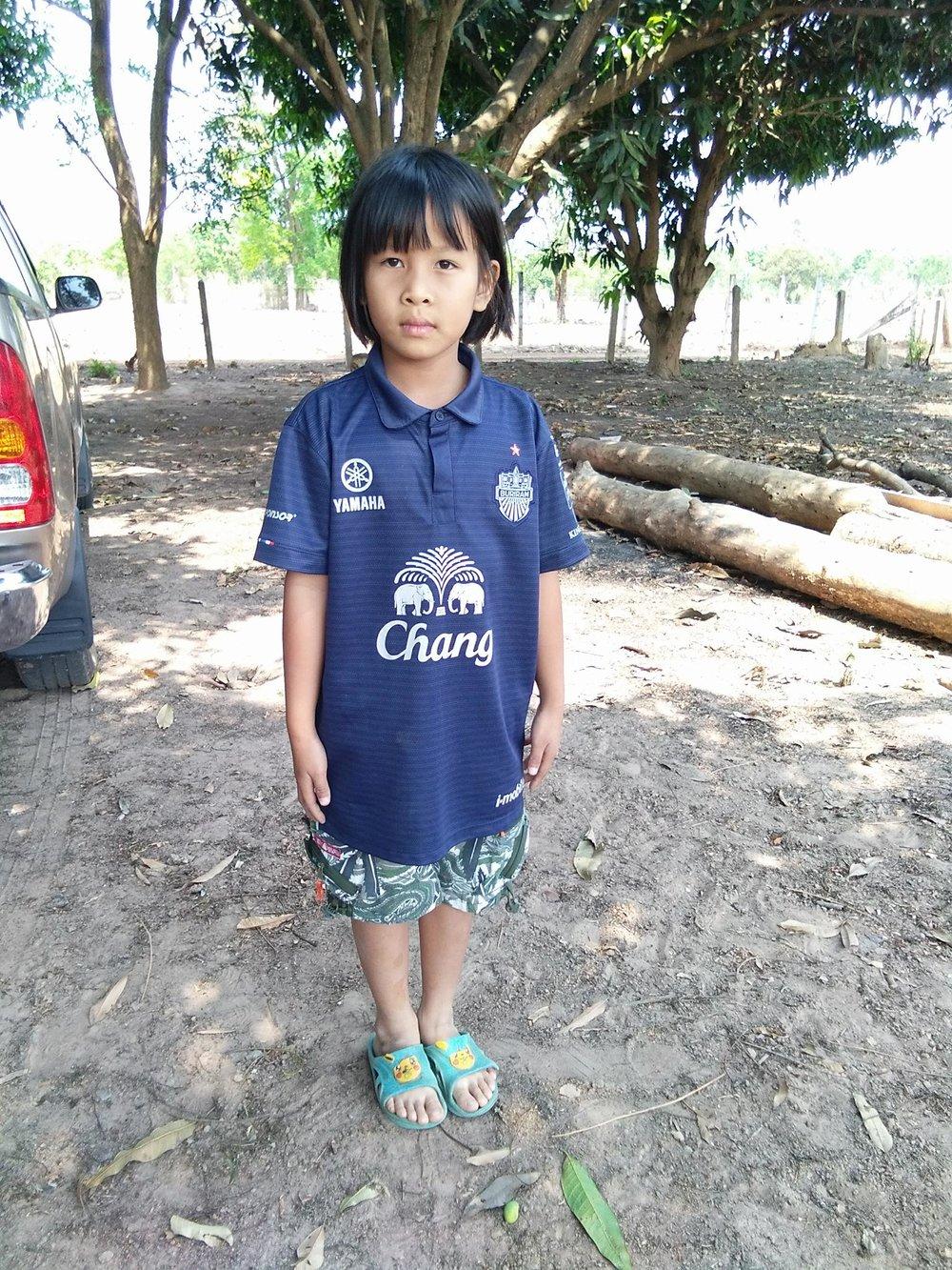 Jiritaya Bomsaken (8 years old, girl)