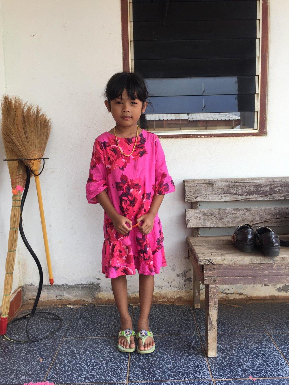 Taksana Buankratoke (moowan) (7 years old, girl)