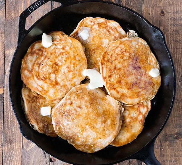 Happy Saturday guys! My Cast Iron Hotcakes with Rosemary Maple Syrup makes a beautiful weekend breakfast and they're super easy to make and so so delicious! Give them a go! Link to recipe in bio. 🥞👌💯 #cbcuisine #CreateSomethingBeautiful