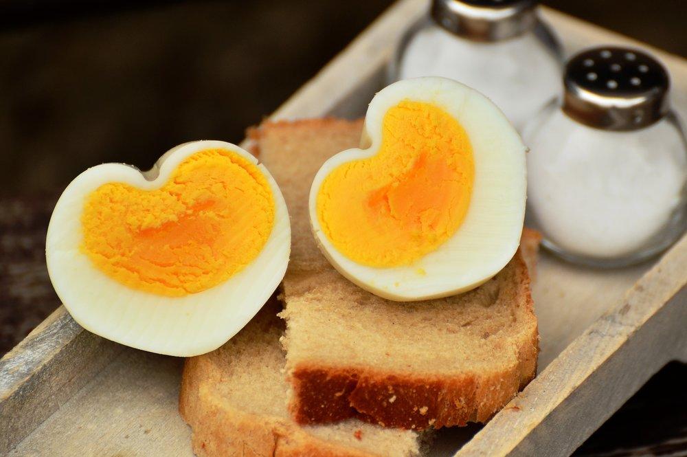 heart-shaped-eggs
