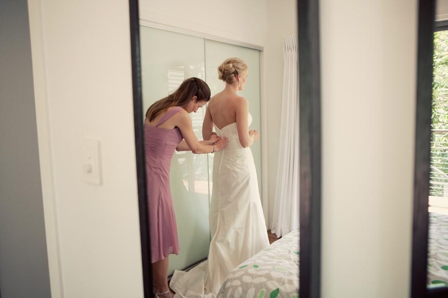 Brisbane Wedding Phoographer C-brisbane-bride-getting-ready01