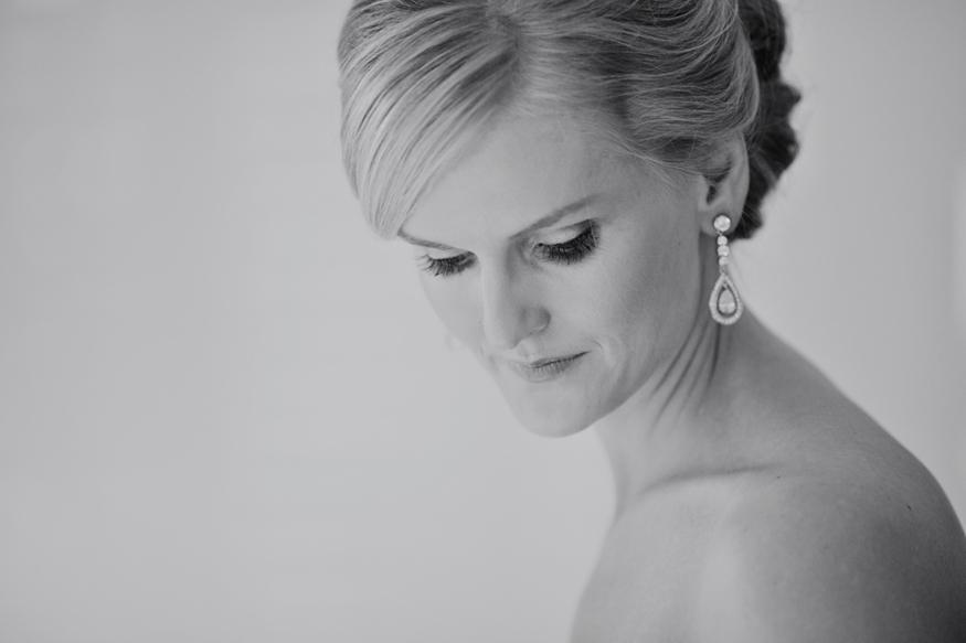 Brisbane Wedding Phoographer C-brisbane-bride-getting-ready02