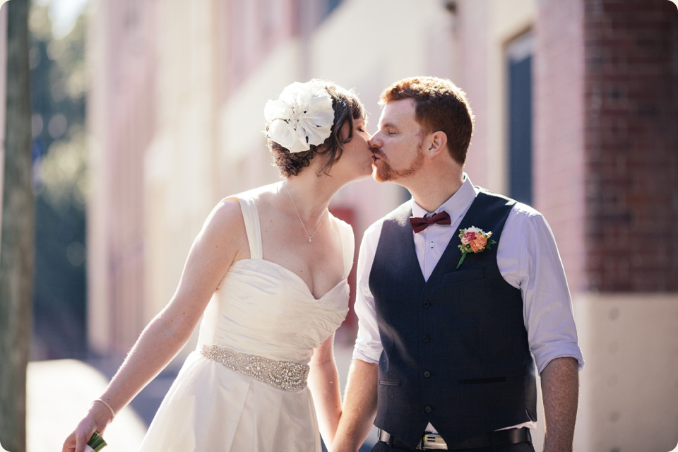 Bride & Groom Kiss in Teneriffe