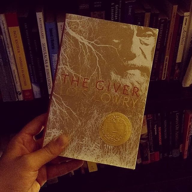 How do YOU prep for a new #podcast episode? #SundayEvening #TheGiver  #Bookstagram #ClassicBooks #Dystopia #DystopianFiction #DystopianFilm @thegivermovie #LoisLowry #YAFiction #YADystopian #BookLovers #BookPorn #Bookshelf