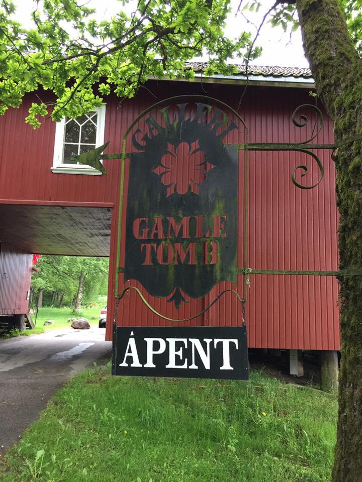 Galleri Gamle Tomb holder åpent lørdag og søndag gjennom sommeren.